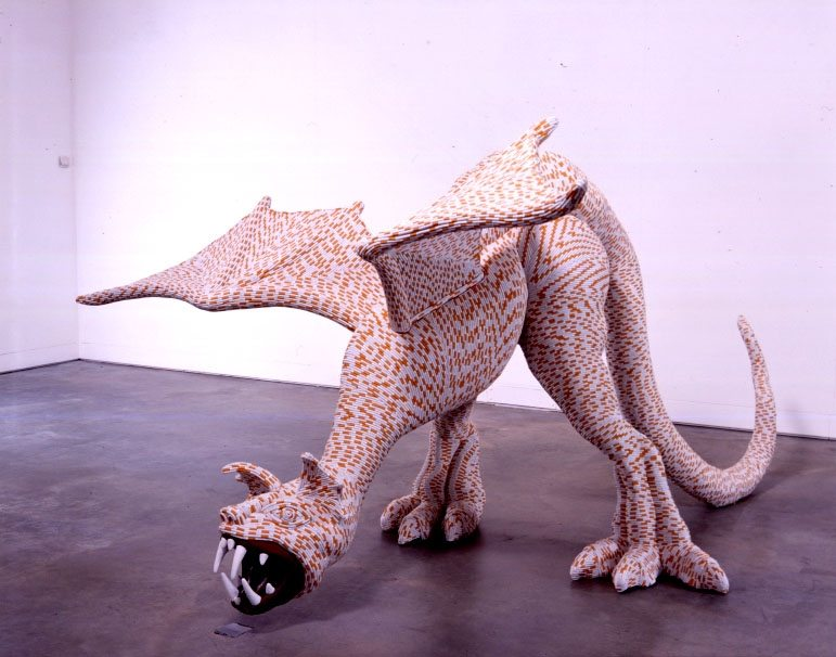 Bygde en drageskulptur for kunstneren Sarah Lucas, Drag-On