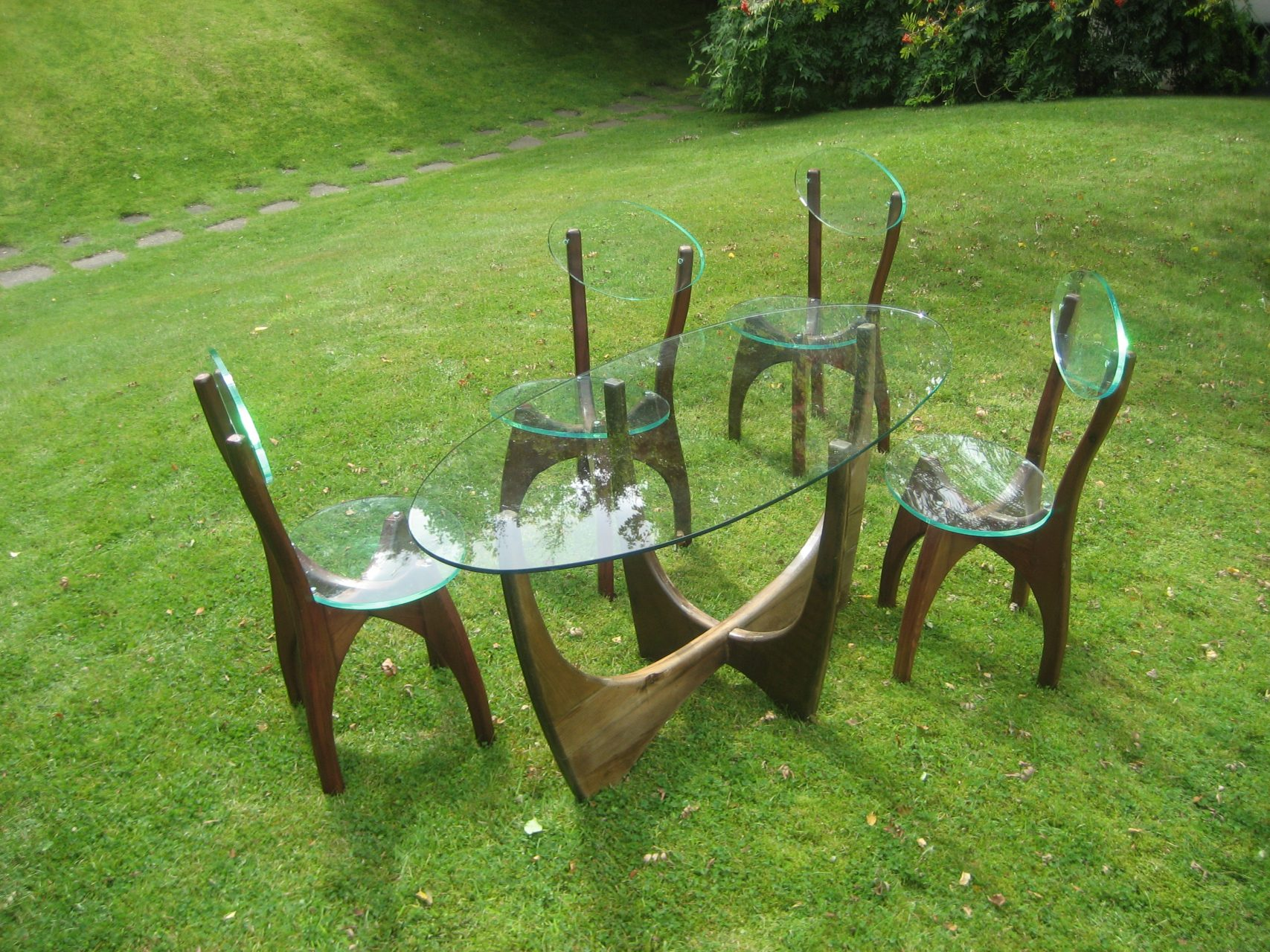 Pine-garden-furniture-stained-and-varnished-pine-acrylic-seats-and-glass-top-.-1